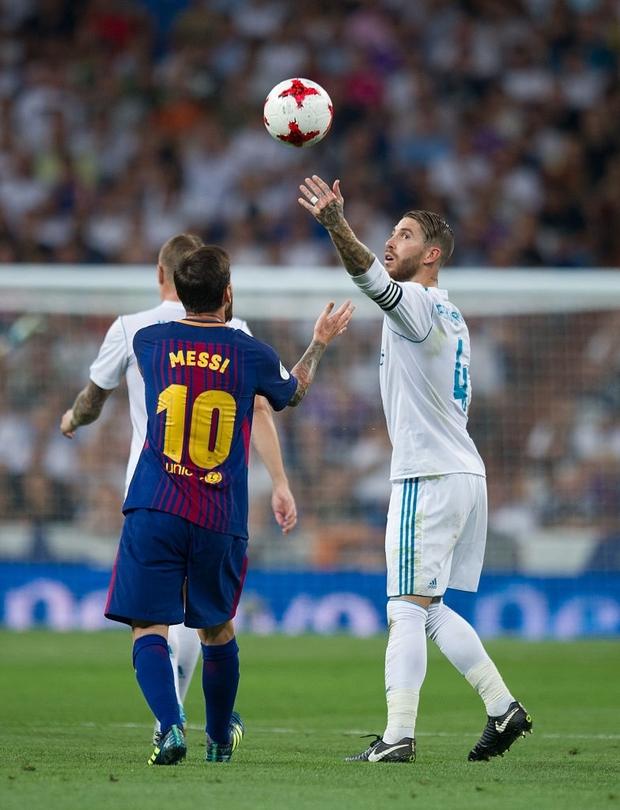 Từng chặt chém Messi kinh khủng nhất, Vua thẻ đỏ Sergio Ramos giờ lại tích cực nịnh bợ đồng đội mới ở PSG - Ảnh 10.