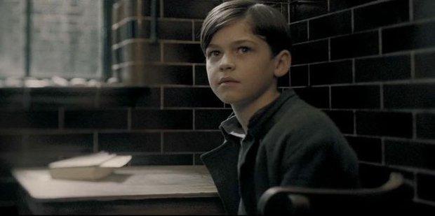 14 khoảnh khắc chứng tỏ Harry Potter chi tiết đến sợ, dự báo luôn kết cục của Voldemort mà chẳng ai để ý! - Ảnh 3.