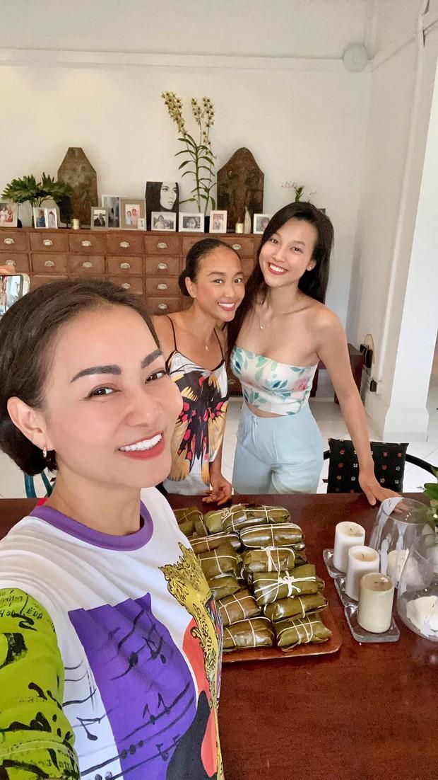 Thu Minh, Đoan Trang và MC Hoàng Oanh tụ họp tại Singapore, ấm lòng bữa tiệc bếp núc của dàn mỹ nhân xa quê vì đại dịch - Ảnh 5.