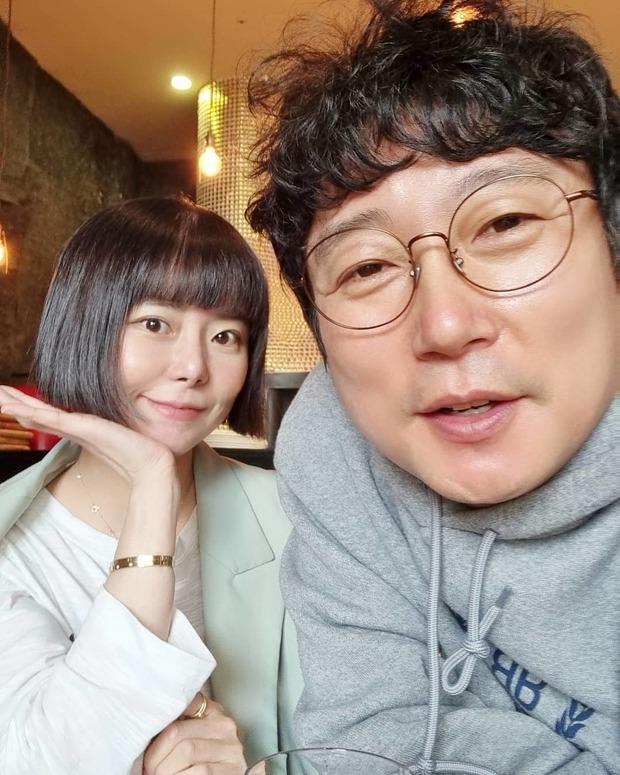 6 couple chú cháu hạnh phúc nhất Kbiz: Lee Young Ae cưới chồng đại gia hơn 20 tuổi, sao Vườn Sao Băng viên mãn dù chồng ngoại tình - Ảnh 11.