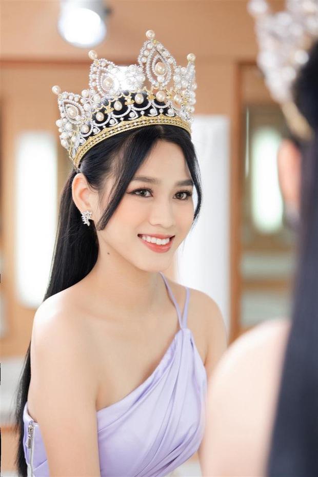 Buồn của 1 Hoa hậu 10x: Bị huỷ hàng loạt sự kiện, quá nửa thời gian sau khi đăng quang chỉ có thể ở nhà - Ảnh 7.