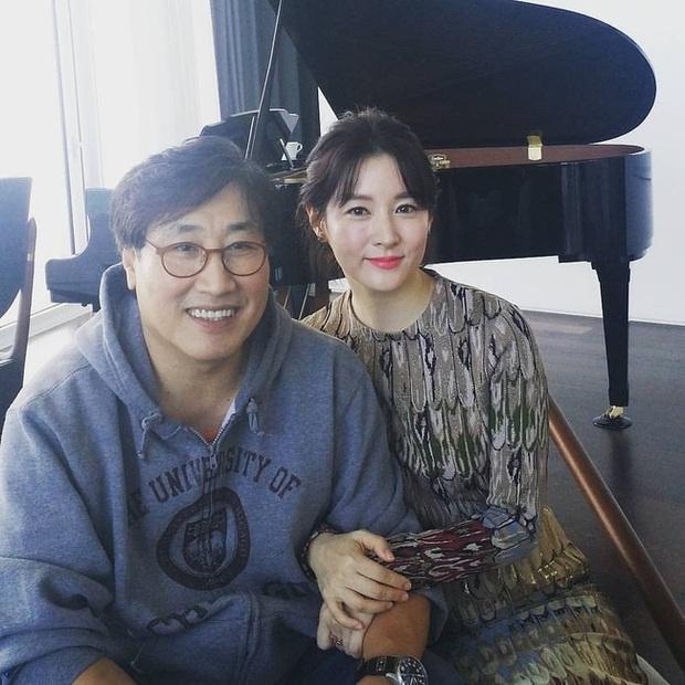 6 couple chú cháu hạnh phúc nhất Kbiz: Lee Young Ae cưới chồng đại gia hơn 20 tuổi, sao Vườn Sao Băng viên mãn dù chồng ngoại tình - Ảnh 2.