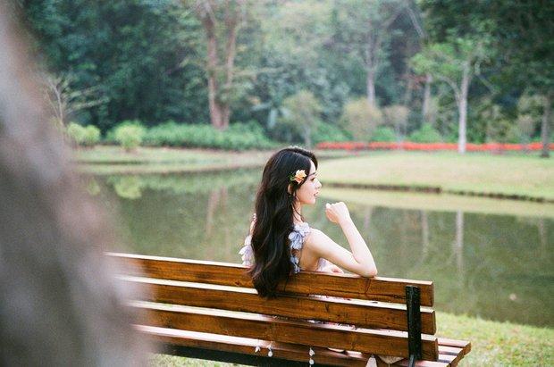 Triệu Lệ Dĩnh đánh úp bộ ảnh mừng Thất Tịch độc thân đầu tiên hậu ly hôn: Mê hồn đúng chuẩn gái 1 con trông mòn con mắt - Ảnh 4.