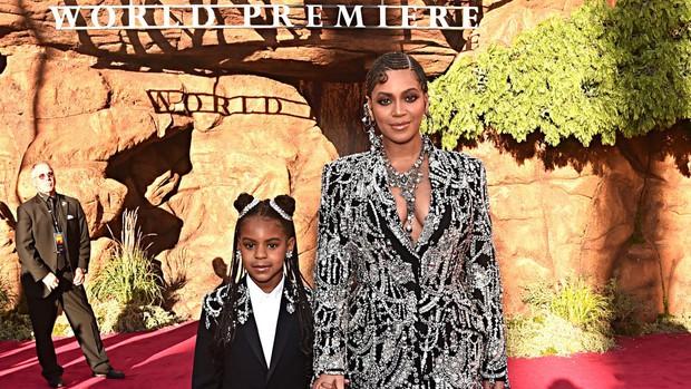 Sao nhí 9 tuổi thắng giải Grammy: Dùng cúp vàng... uống sữa, hóa ra rich kid giàu nhất nước Mỹ có bố mẹ quá quyền lực - Ảnh 6.