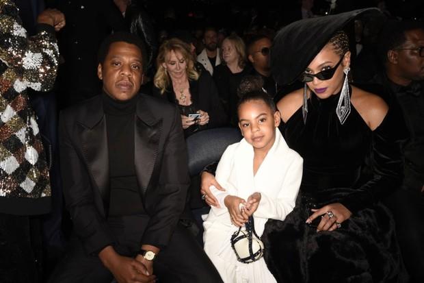 Sao nhí 9 tuổi thắng giải Grammy: Dùng cúp vàng... uống sữa, hóa ra rich kid giàu nhất nước Mỹ có bố mẹ quá quyền lực - Ảnh 7.
