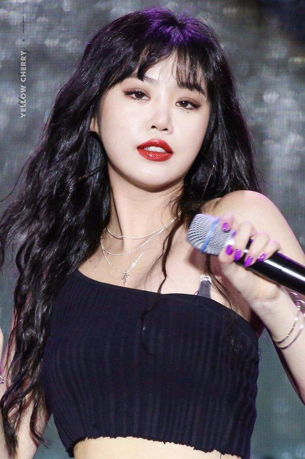 Soojin rời (G)I-DLE, netizen liền chỉ trích Lia (ITZY), Hyunjin (Stray Kids) khi vẫn nhởn nhơ hoạt động dù dính bê bối bạo lực học đường - Ảnh 2.