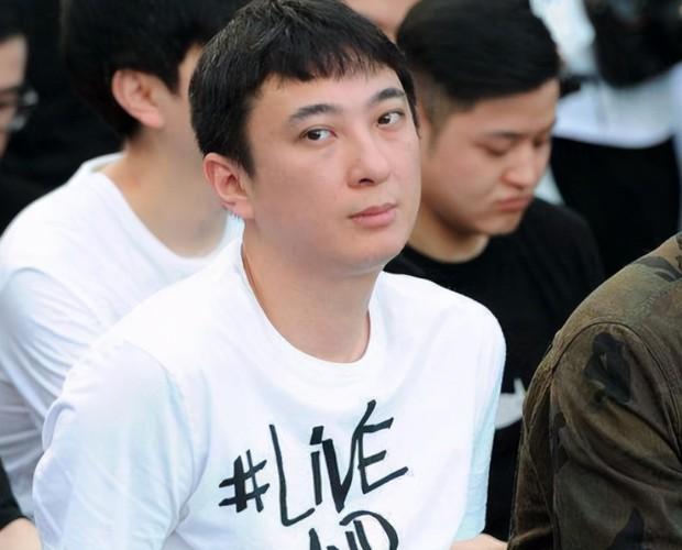 Ngô Diệc Phàm vào tù được 2 tuần, bạn thân thiếu gia Vương Tư Thông lại lộ ảnh tuyển phi cả dàn mỹ nữ trẻ đẹp? - Ảnh 4.