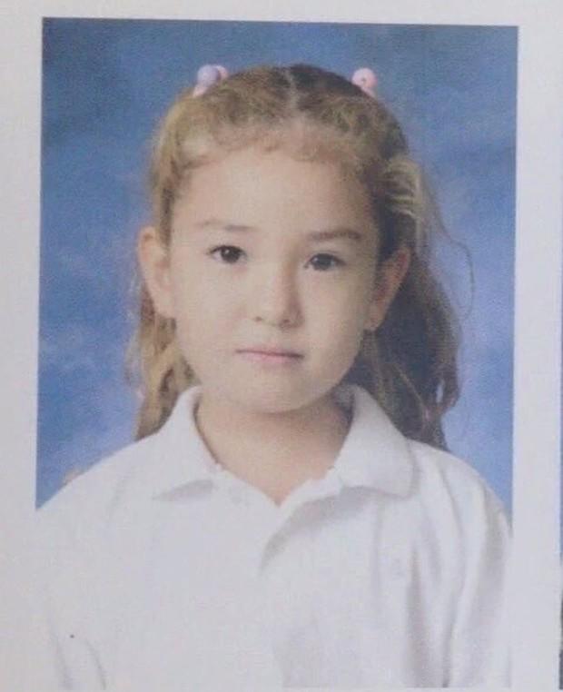 Hóa ra nữ thần lai nhà YG Jeon Somi không phải 15 tuổi debut mà từ... 4 tuổi, nhìn ảnh bên tài tử Hậu Duệ Mặt Trời là hiểu - Ảnh 5.