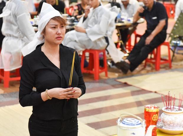 Tin buồn liên tiếp: Phi Thanh Vân xót xa vì mẹ ruột qua đời nhưng không thể ở bên, Ốc Thanh Vân và dàn sao gửi lời tiễn biệt - Ảnh 6.