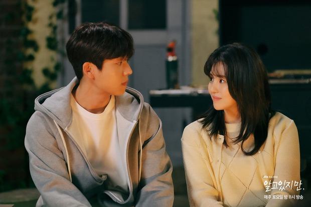 Na Bi (Han So Hee) bị ném đá tơi tả ở Nevertheless: Đừng nghĩ chọn nam chính hay nam phụ nữa, chị chẳng xứng với ai! - Ảnh 3.