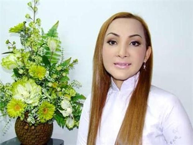 Không phải Hương Giang - Lâm Khánh Chi, đây mới là nữ ca sĩ chuyển giới đầu tiên của Việt Nam, từng suýt mất mạng và bị đồn qua đời - Ảnh 1.