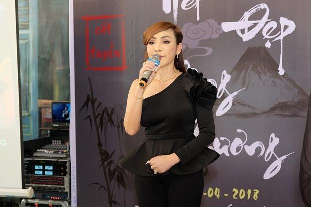 Không phải Hương Giang - Lâm Khánh Chi, đây mới là nữ ca sĩ chuyển giới đầu tiên của Việt Nam, từng suýt mất mạng và bị đồn qua đời - Ảnh 11.