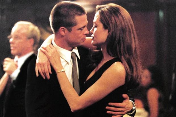 Có một Brad Pitt từng buông thả thế này: Thích quan hệ tình dục với Angelina trong... hang đá, nghiện cần sa bỏ bê sự nghiệp - Ảnh 2.