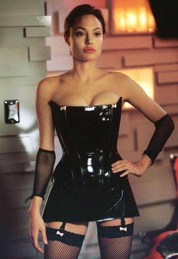 Có một Brad Pitt từng buông thả thế này: Thích quan hệ tình dục với Angelina trong... hang đá, nghiện cần sa bỏ bê sự nghiệp - Ảnh 3.