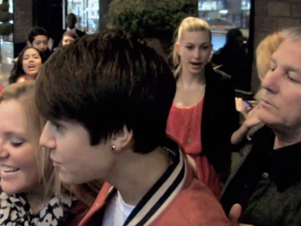 """Chuyện tình Justin Bieber và Hailey: Fangirl cuồng Jelena thành chính thất, cưới luôn """"Hoàng tử nhạc Pop"""" và bức hình tiên tri gây sốt - Ảnh 4."""