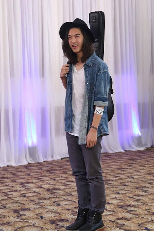 Khó nhận ra hot boy Vietnams Next Top Model khi diện trang phục cực nữ tính! - Ảnh 2.