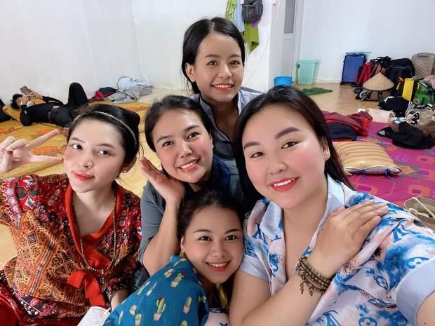 """Nữ tiếp viên hàng không và những chuyến xe """"mai táng 0 đồng"""" ở Sài Gòn: Nhóm có 5 thành viên nữ, nhỏ nhất 18 tuổi - Ảnh 3."""
