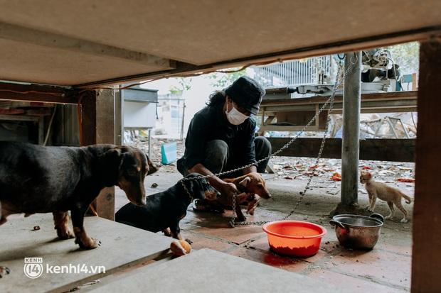 Theo chân Lâm Ống Húc trên những nẻo đường Sài Gòn trao tặng những yêu thương - Ảnh 4.