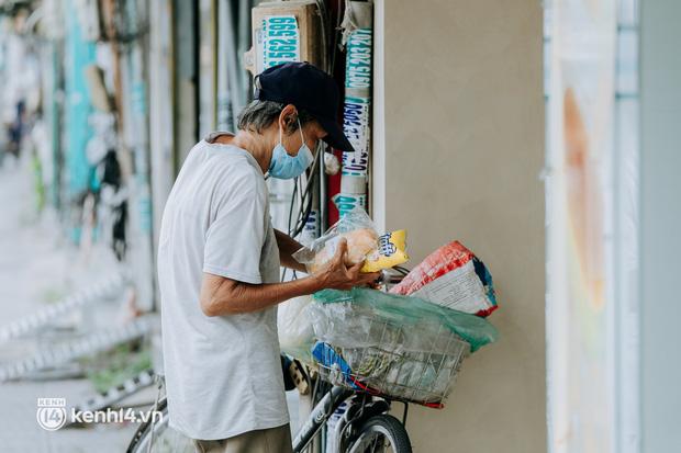 Theo chân Lâm Ống Húc trên những nẻo đường Sài Gòn trao tặng những yêu thương - Ảnh 18.