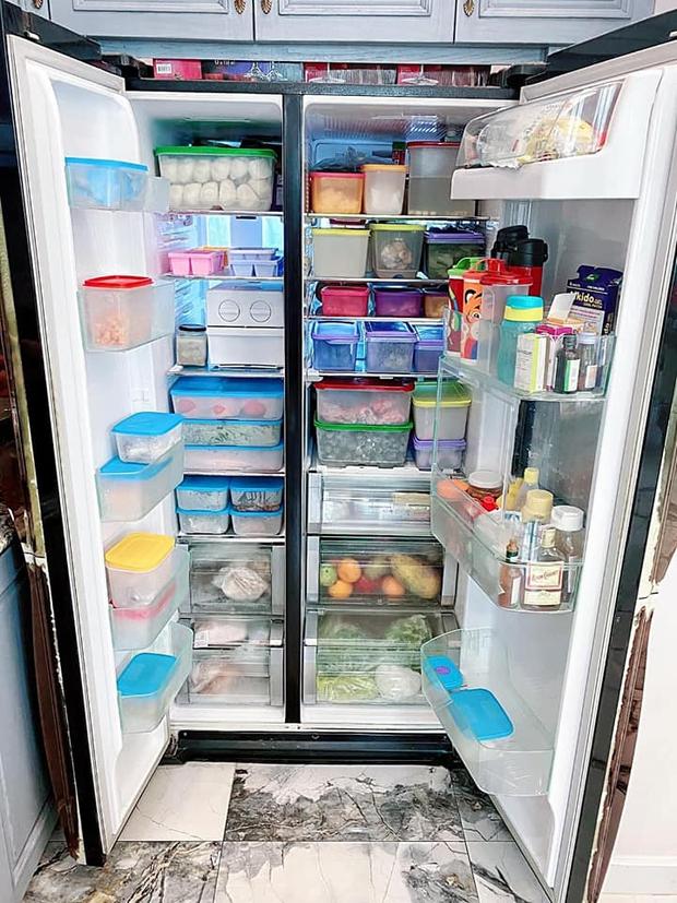 Hội chị em mê bếp nô nức khoe tủ lạnh mùa dịch: Nhiều người sở hữu BST hộp đựng khủng, có chiếc tủ bé xinh nhưng cực sáng tạo - Ảnh 2.