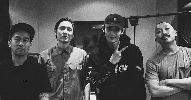 Khung hình gây nổ của sao Hàn và quốc tế: BTS - G-Dragon toàn bạn khủng, ghen tị vì Justin hôn Dara, Loki thân mật với Tiffany - Ảnh 4.