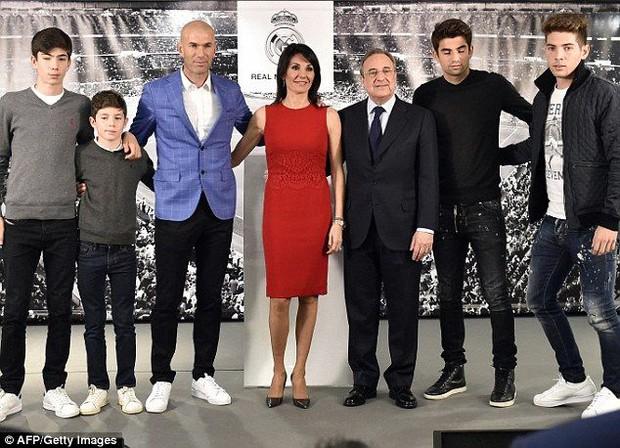 Con trai huyền thoại Zidane báo hại đội nhà với sai lầm kép ngớ ngẩn - Ảnh 3.