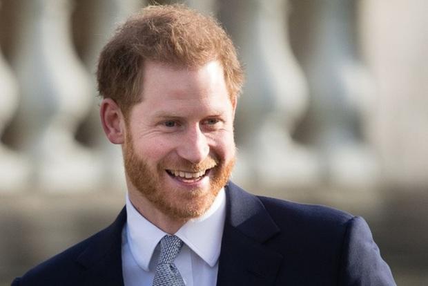 Nữ hoàng Anh gửi lời mời đặc biệt đến vợ chồng Meghan và phản ứng của cặp đôi gây chú ý - Ảnh 2.