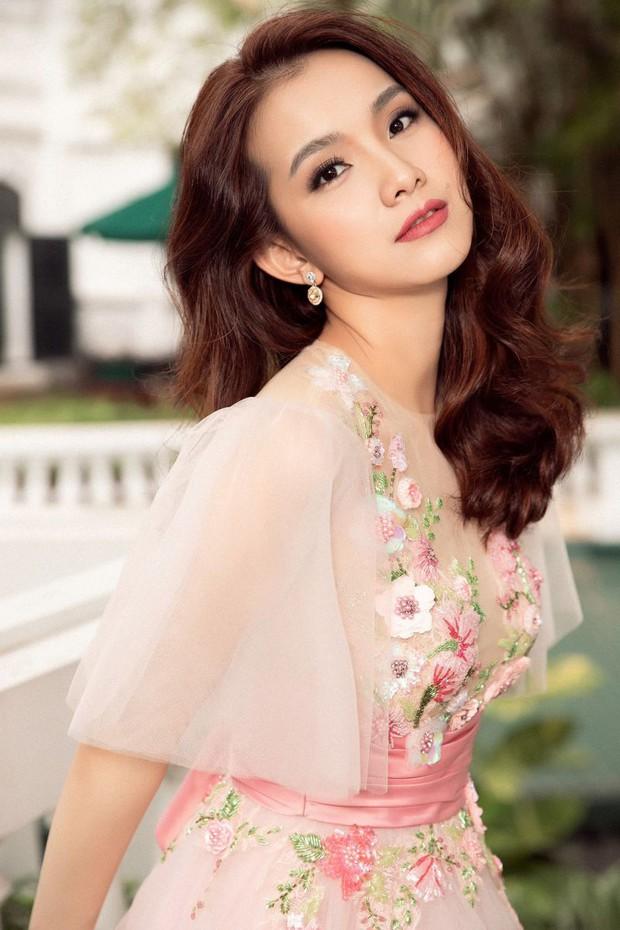 Hoa hậu Thùy Lâm thông báo gia đình có người qua đời, Minh Tiệp và dàn sao đồng loạt chia buồn - Ảnh 4.
