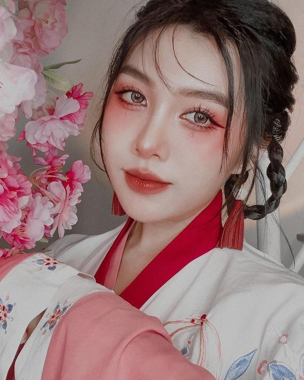 Dịch dã cấm cửa, hội gái xinh ở nhà vẫn có cách du lịch từ Á tới Âu tài tình nhờ loạt makeup look siêu chất - Ảnh 3.