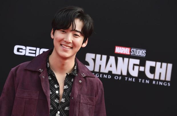 Thảm đỏ bom tấn Marvel Shang-Chi: Hoa hậu TVB bị hot TikToker hở bạo chặt đẹp, Mark Tuan (GOT7) át cả nam chính và dàn siêu sao - Ảnh 20.