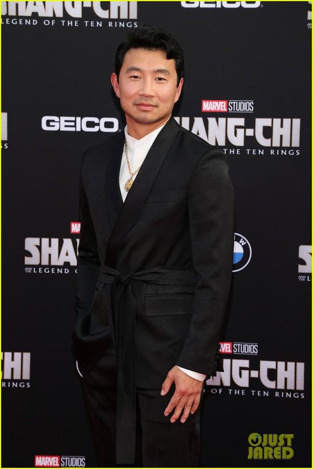 Thảm đỏ bom tấn Marvel Shang-Chi: Hoa hậu TVB bị hot TikToker hở bạo chặt đẹp, Mark Tuan (GOT7) át cả nam chính và dàn siêu sao - Ảnh 3.
