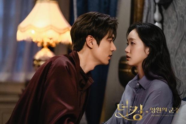4 phim Hàn có diễn viên chính đơ toàn tập: Ai nhắm bì lại Han So Hee - Song Kang ở Nevertheless? - Ảnh 12.