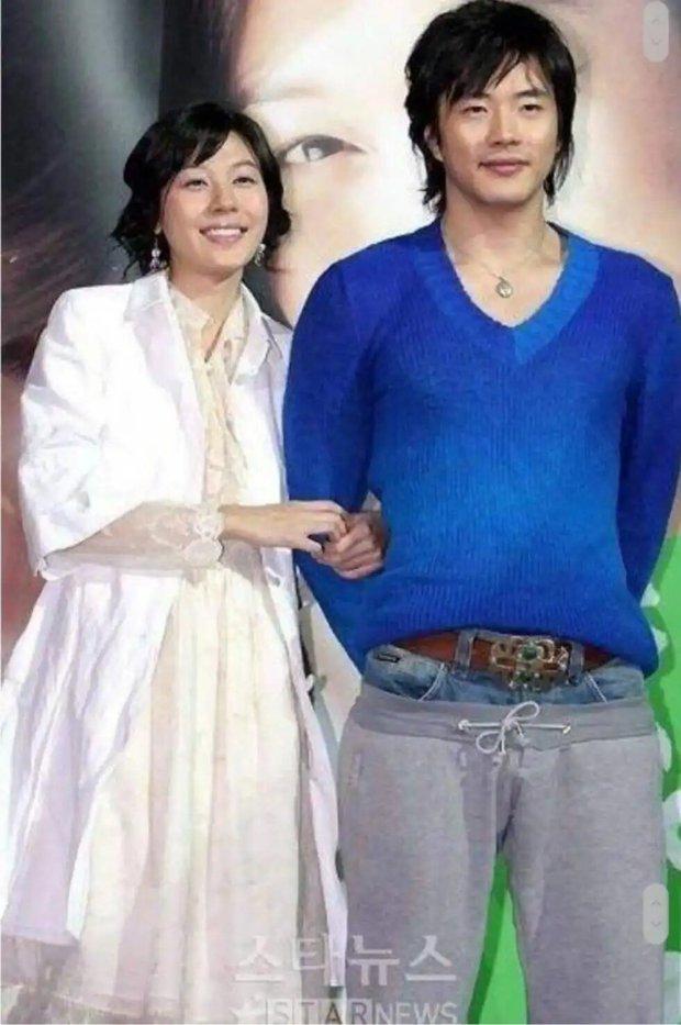Thời trang Hàn những năm 2000: Song Hye Kyo - Jeon Ji Hyun tạo trend rầm rộ, Hyun Bin - Bi Rain khôi hài tột cùng nhưng khó hiểu nhất vẫn là trùm cuối - Ảnh 12.
