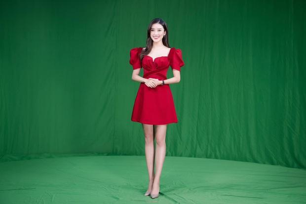 Á hậu Huyền My chính thức trở thành BTV truyền hình sau 7 năm đăng quang, visual lên sóng chưa chi đã thấy mê lắm rồi - Ảnh 5.