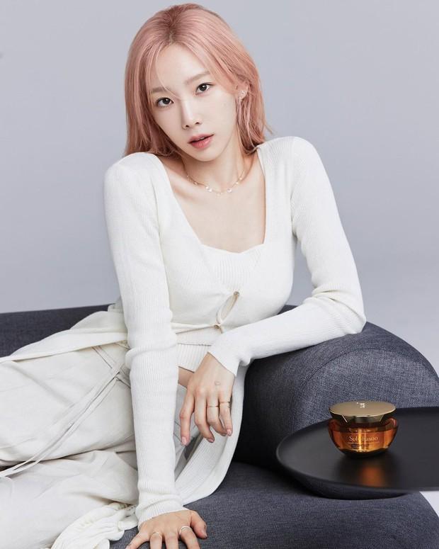 Taeyeon sắp vượt Yoona thành nữ thần của SNSD hay gì? Nhìn bộ ảnh mới khoe nhan sắc 32 tuổi như 23 mà xém xỉu vì sốc visual - Ảnh 5.