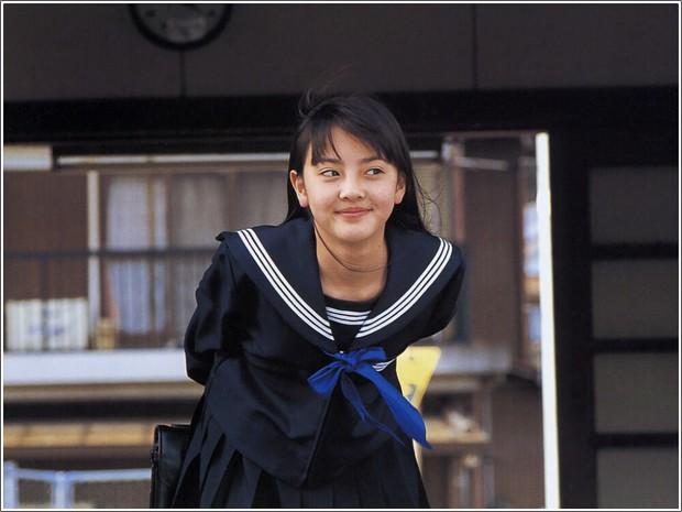 14 tuổi đã dính bê bối có con với... bạn của mẹ, nam thần quốc bảo nhan sắc của Nhật Bản giờ đây có cuộc sống bất ngờ - Ảnh 15.