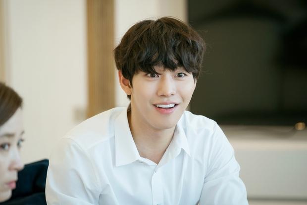 5 nam thần Hàn bỏ nghề idol để làm diễn viên: Ahn Hyo Seop thậm chí còn suýt debut cùng GOT7 - Ảnh 3.