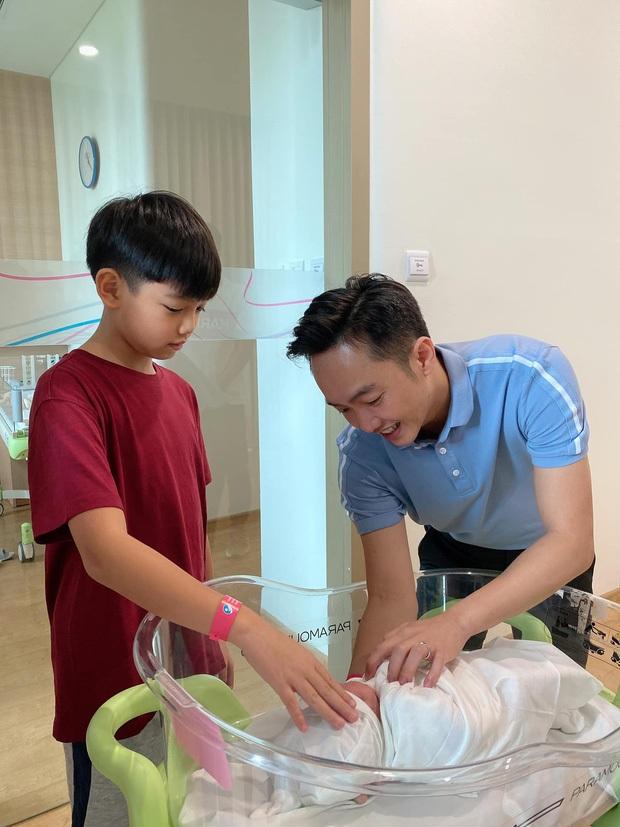Cường Đô La khoe Subeo lên lớp 7 dù mới 11 tuổi,  tưởng vô lý nhưng nghe giải thích mới tấm tắc: Đã giàu lại còn giỏi - Ảnh 3.