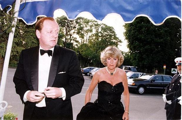 Tình địch của công nương Diana: Không mặc lố nhưng cũng rất nhạt nhòa, phong cách khác chính thất một trời một vực! - Ảnh 5.
