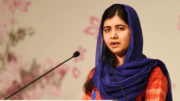 Cô gái từng bị Taliban bắn vào đầu vì lên tiếng đòi quyền được tới trường: Tôi lo sợ cho những chị em của mình tại Afghanistan - Ảnh 1.
