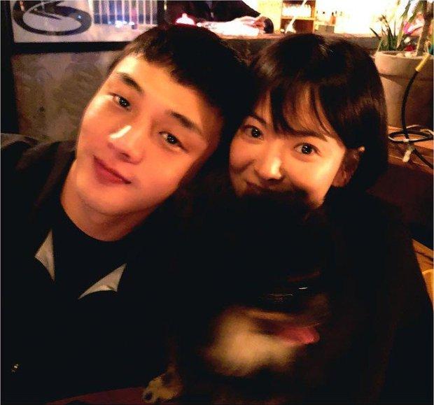 Top 1 Naver: Cả kho ảnh tình tứ của Song Hye Kyo - Yoo Ah In gây bão, truyền thông Hàn đặt dấu hỏi vì sao cả hai không hẹn hò - Ảnh 5.