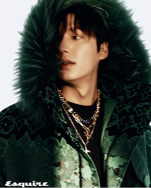Rửa mắt ngắm visual của nam thần Lee Min Ho: Chân dài và góc nghiêng thuộc hàng cực phẩm, hững hờ chút mà fan đổ gục - Ảnh 8.
