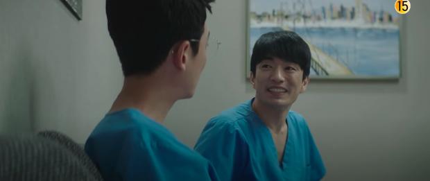 Preview Hospital Playlist 2 tập 10: Cặp nhà Gấu sắp chính thức yêu nhau, đôi Bồ Câu trở lại nhưng Vườn Đông thì toang mạnh mẽ? - Ảnh 10.