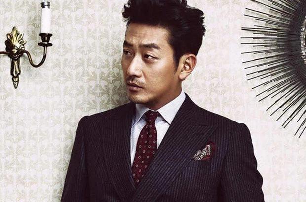 """Trước khi """"ông nội quốc dân"""" Hàn Quốc bị kiện vì ép người tình phá thai, hoá ra con trai Ha Jung Woo từng ẩn ý nhắc nhở bố? - Ảnh 2."""