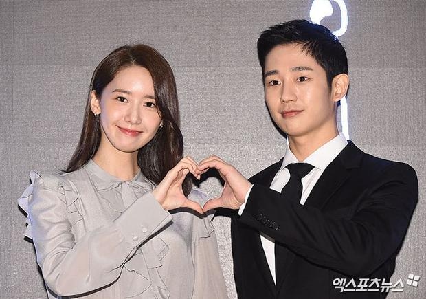 Xỉu ngang combo visual Yoona - Jung Hae In ở sự kiện cao cấp: Nữ thần SNSD như tiểu thư tài phiệt, tình tứ bất ngờ với tài tử cực phẩm - Ảnh 8.