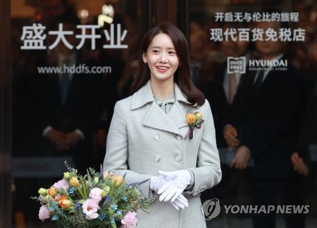 Xỉu ngang combo visual Yoona - Jung Hae In ở sự kiện cao cấp: Nữ thần SNSD như tiểu thư tài phiệt, tình tứ bất ngờ với tài tử cực phẩm - Ảnh 6.