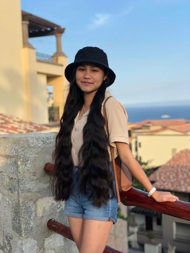 Ái nữ hiếm khi lộ diện của NSƯT Ngọc Huyền: Tốt nghiệp thủ khoa tại Mỹ, mặc áo tắm ra dáng thiếu nữ ở tuổi 17 - Ảnh 5.