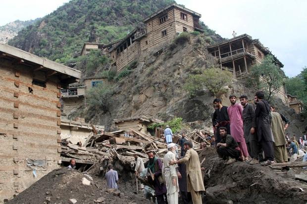 Lũ lụt nghiêm trọng tại Afghanistan: Hơn 100 nạn nhân thiệt mạng, hàng chục người mất tích - Ảnh 2.