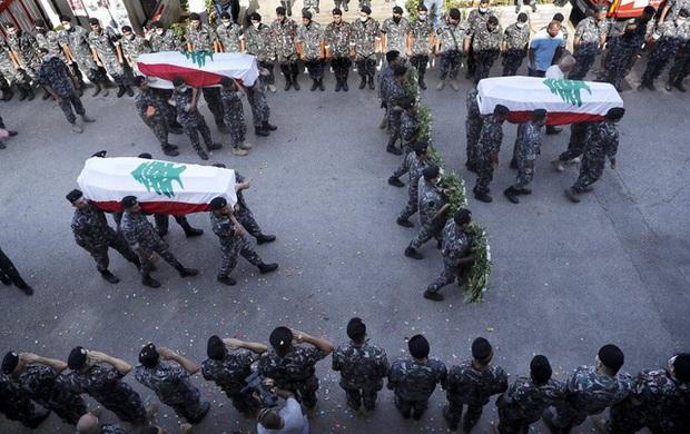 Một năm sau thảm họa ở cảng Beirut, những vết thương để lại vẫn chưa lành - Ảnh 14.