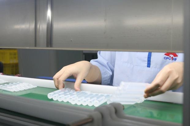 Đột nhập nhà máy duy nhất sản xuất dung môi vaccine Pfizer tại Việt Nam - Ảnh 5.